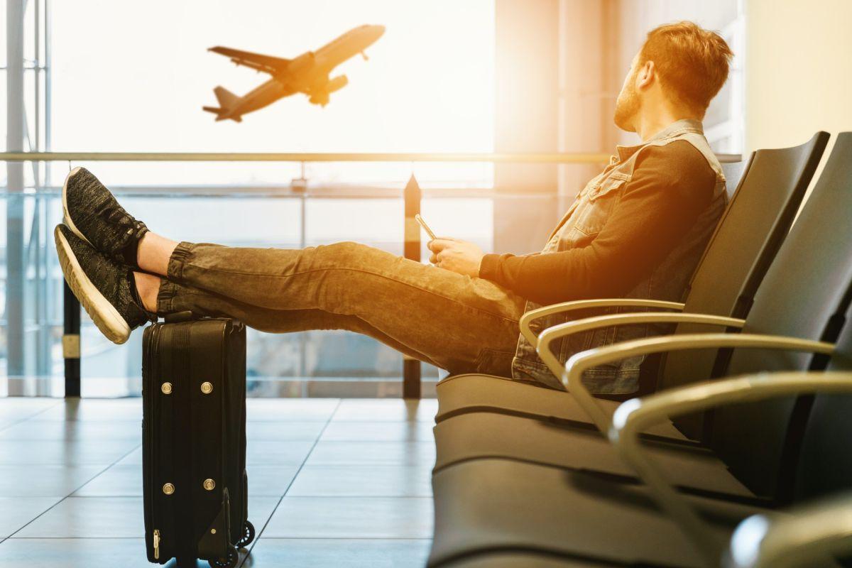 5 cosas que debes considerar antes de comprar un boleto de avión