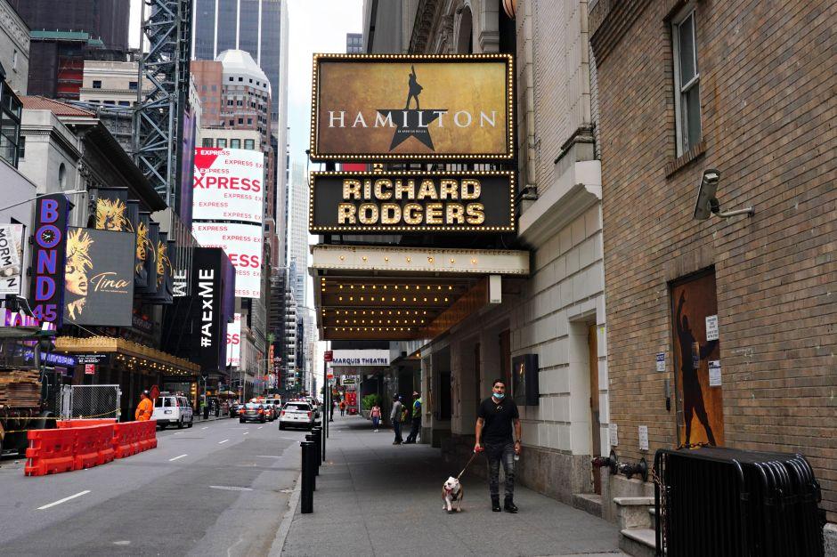 No se levanta el telón. Teatros de Broadway permanecerán cerrados hasta enero de 2021