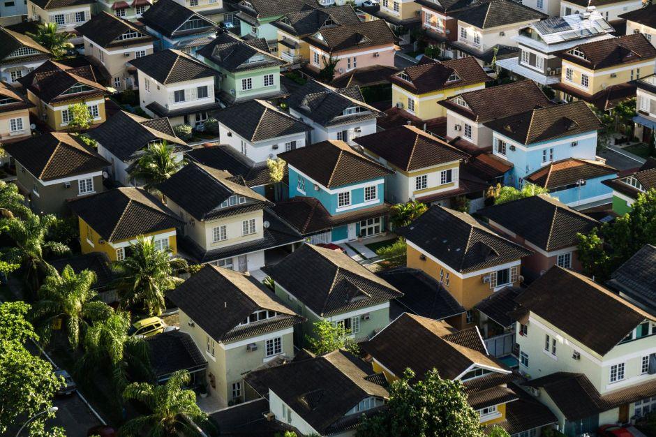 ¿Puedo comprar una casa aunque sea inmigrante indocumentado?