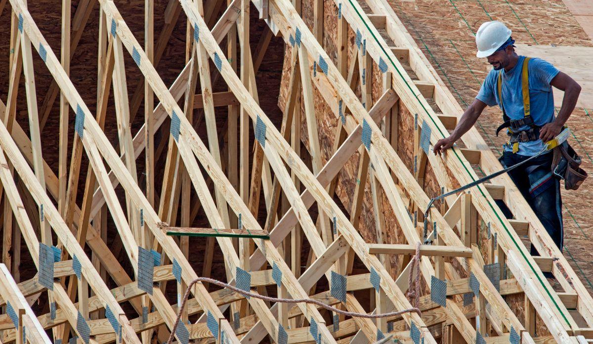 La construcción de casas nuevas en Estados Unidos tiene un leve repunte en mayo
