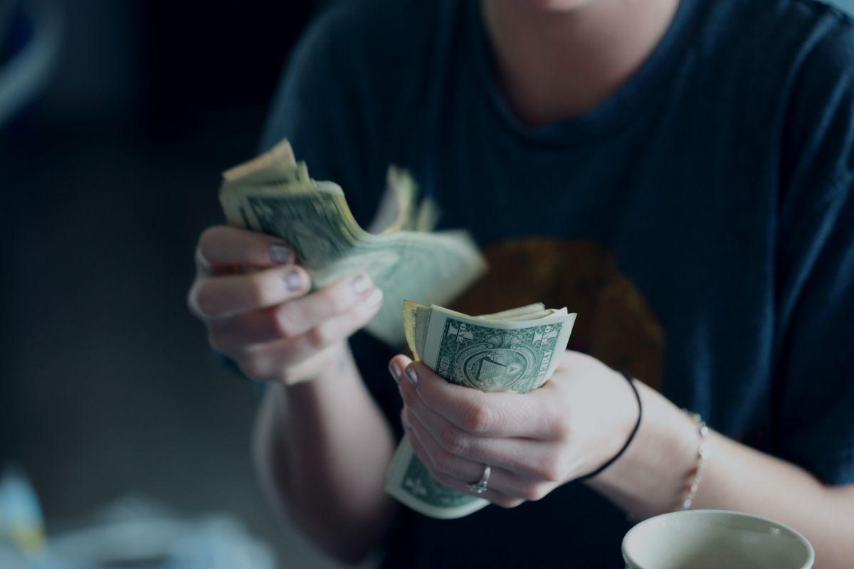 """Cuál es la diferencia entre un pago de deuda tipo """"bola de nieve"""" y uno """"avalancha"""""""