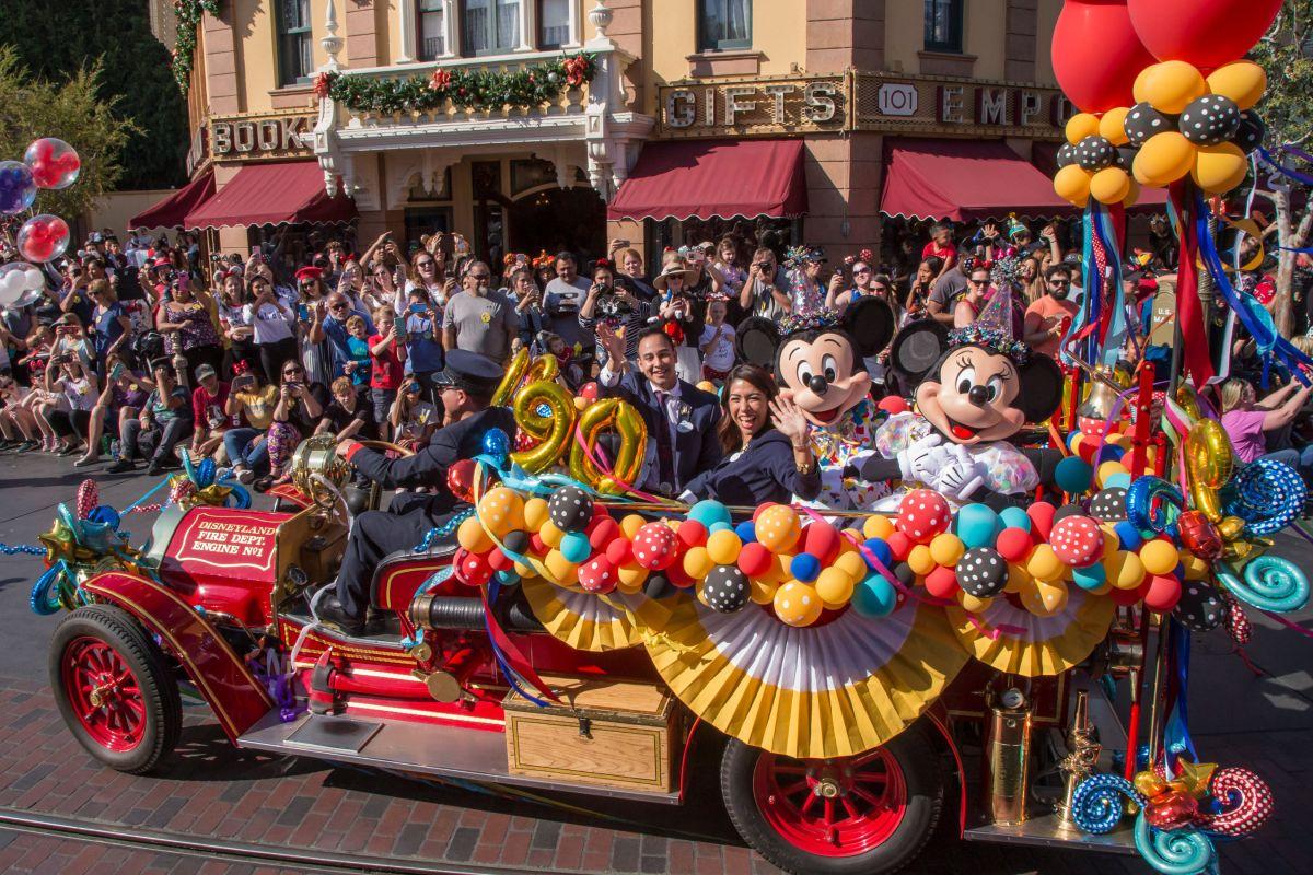Empleados de Disney se oponen a reapertura de parques temáticos; temen contagios de COVID-19