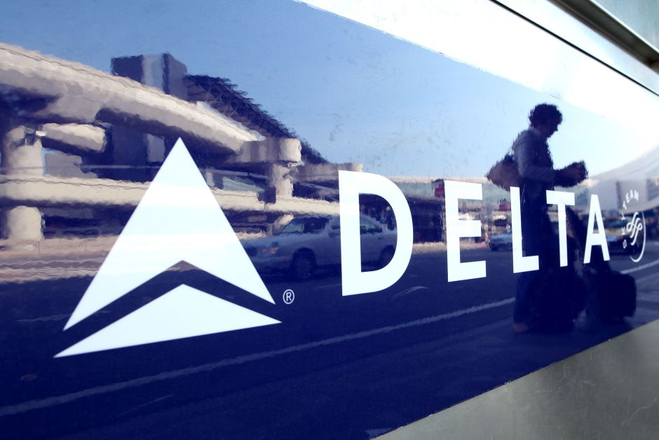 Pérdidas históricas de Delta la obligan a recortar vuelos