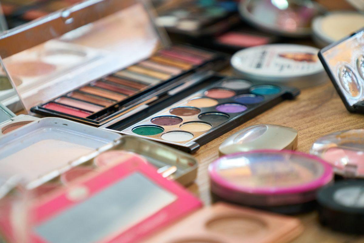 5 sitios para comprar productos de belleza online con grandes descuentos todo el año