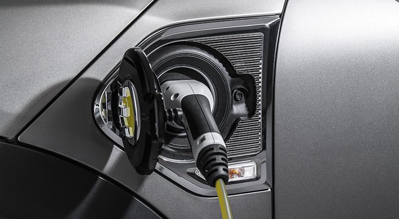 ¿Tiene sentido comprar un auto eléctrico para ahorrar dinero?