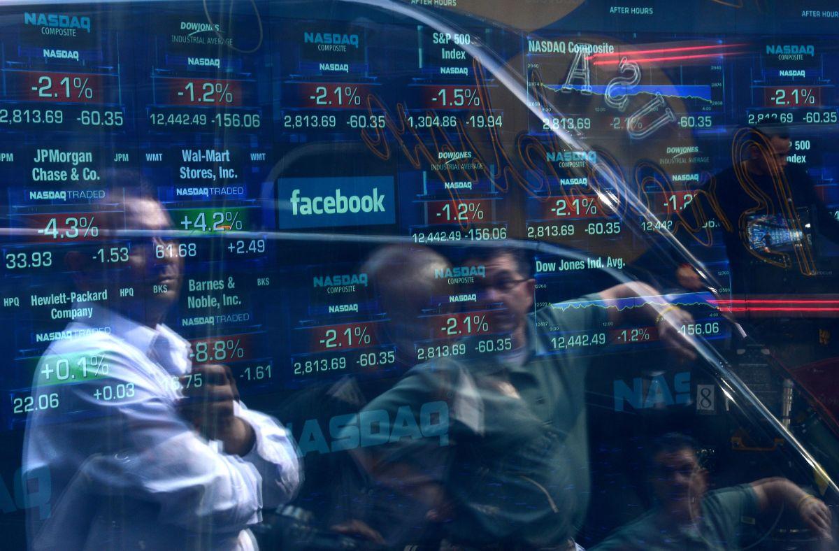 Día histórico para Amazon, Apple, Facebook y Microsoft; Nasdaq supera por primera vez los 10,000 puntos