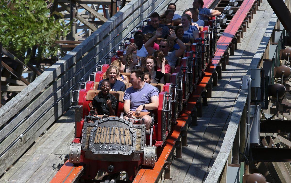 ¿Cómo ahorrar dinero en Six Flags?