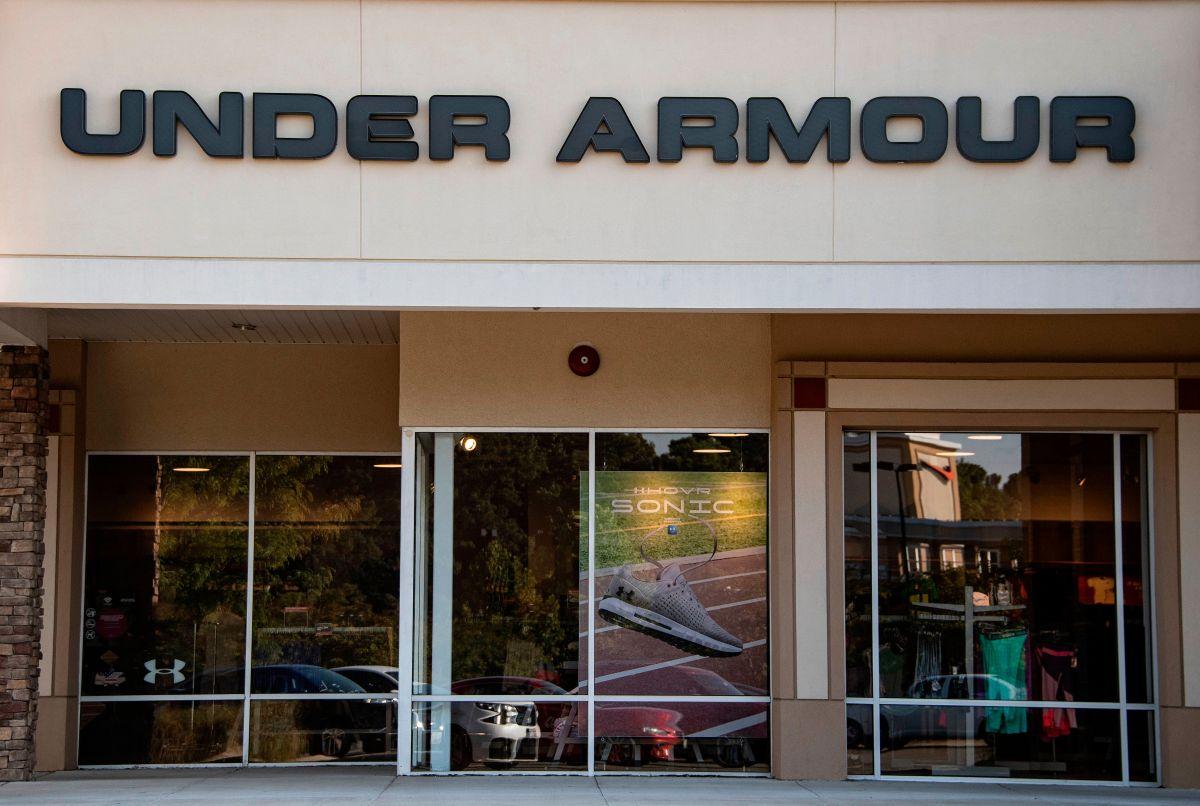 Under Armor lanza al mercado un cubrebocas para hacer ejercicio con seguridad