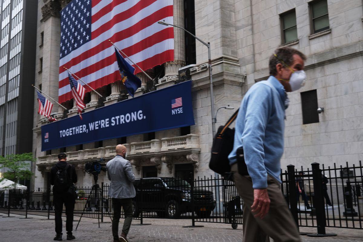Wall Street muestra signos de recuperación tras 'jueves negro'