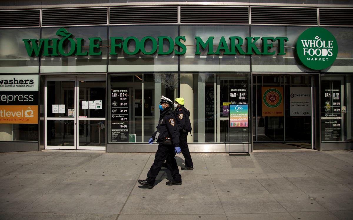 Consumer Reports encuentra niveles dañinos de arsénico en el agua embotellada de Whole Foods