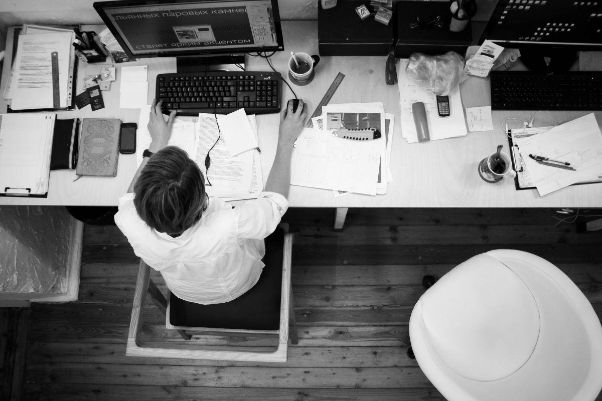 ¿Qué es mejor, un empleo por hora o por salario?