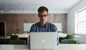 Conoce algunas opciones de empleo sencillo y en casa donde puedes ganar hasta $60 la hora
