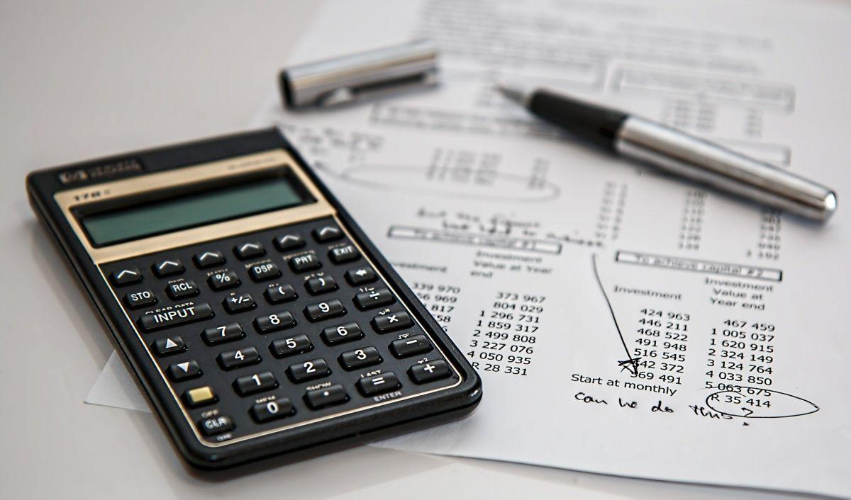 ¿Qué información aparece en mi historial de crédito?