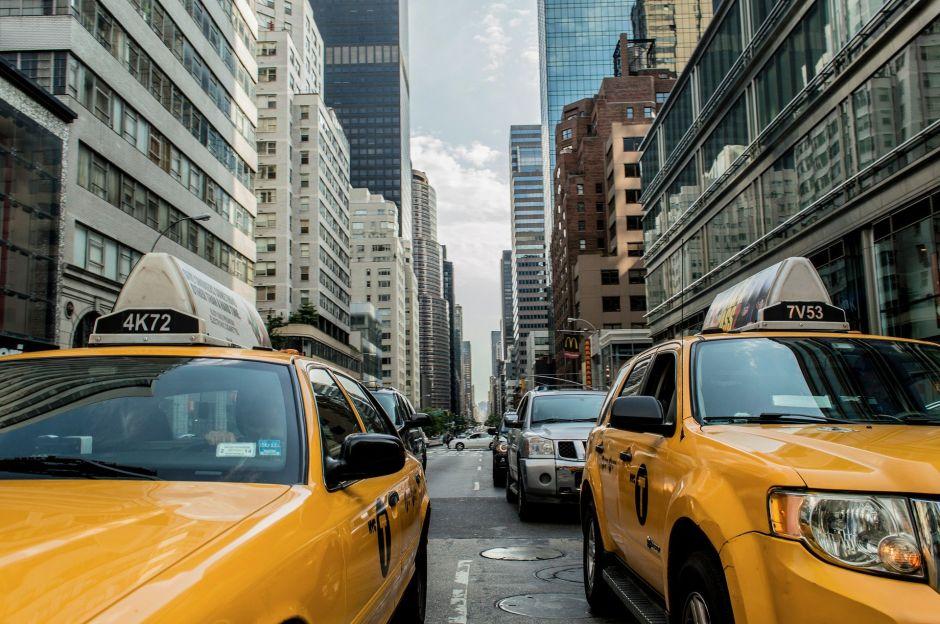 Cómo debes protegerte de Covid-19 si manejas un taxi o Uber durante la pandemia