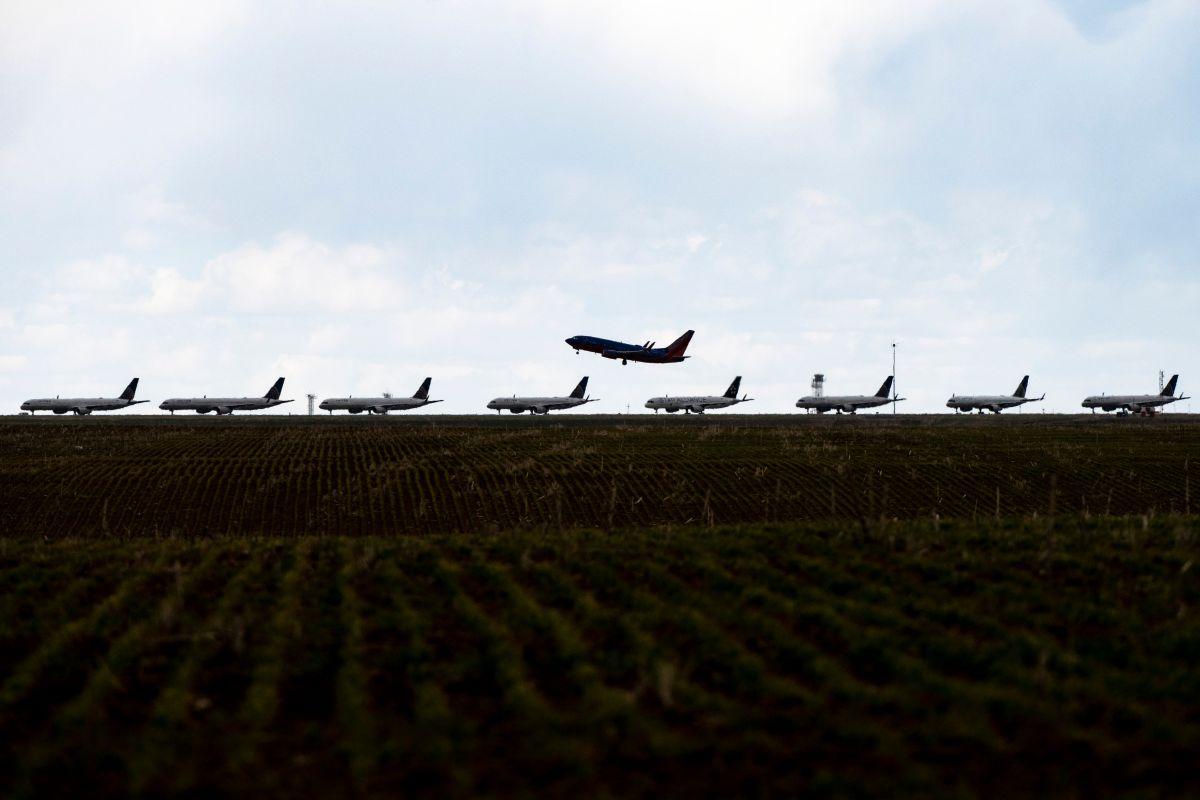 Aerolíneas recibirán millonarios préstamos federales para enfrentar la crisis