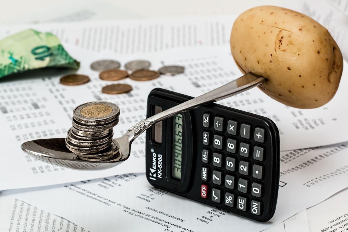 Cuánto dinero deberías dejar en tu cuenta corriente y la de ahorro para no sufrir gastos extra