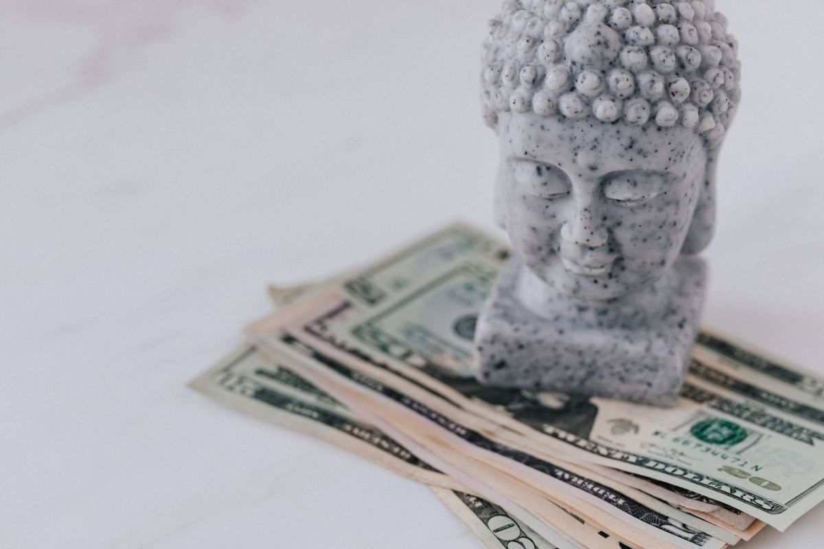 Las emociones y el control de impulsos son factores determinantes para tus finanzas personales.