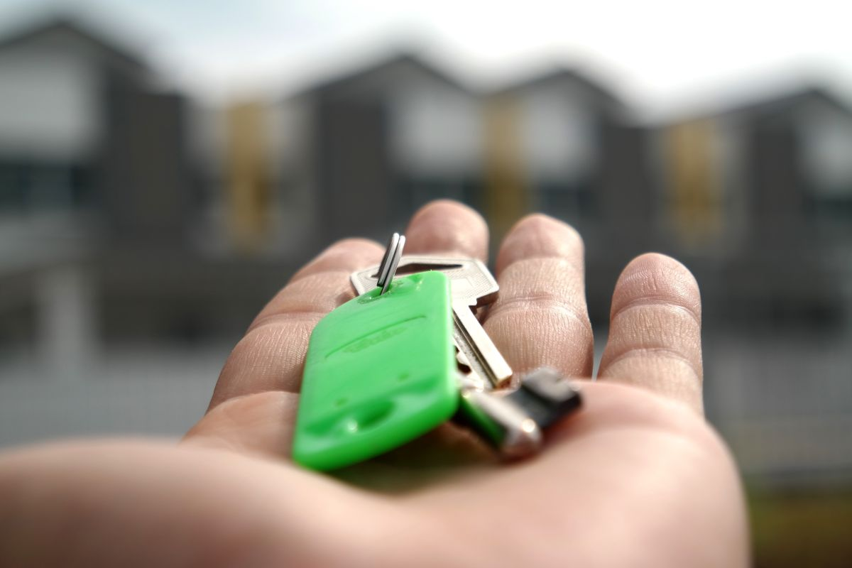 Las ventajas de continuar con el alquiler de una casa en vez de comprarla