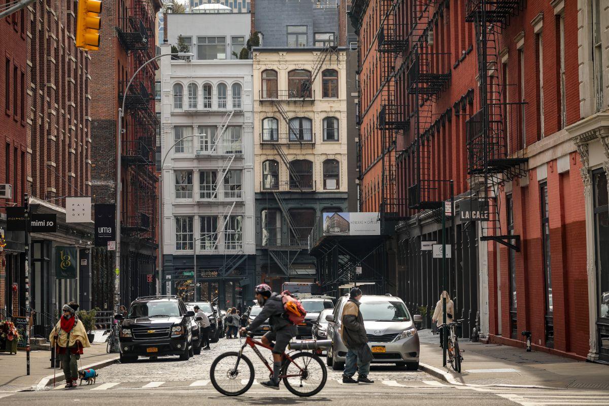 Manhattan alcanza récord de departamentos desocupados y bajan los alquileres
