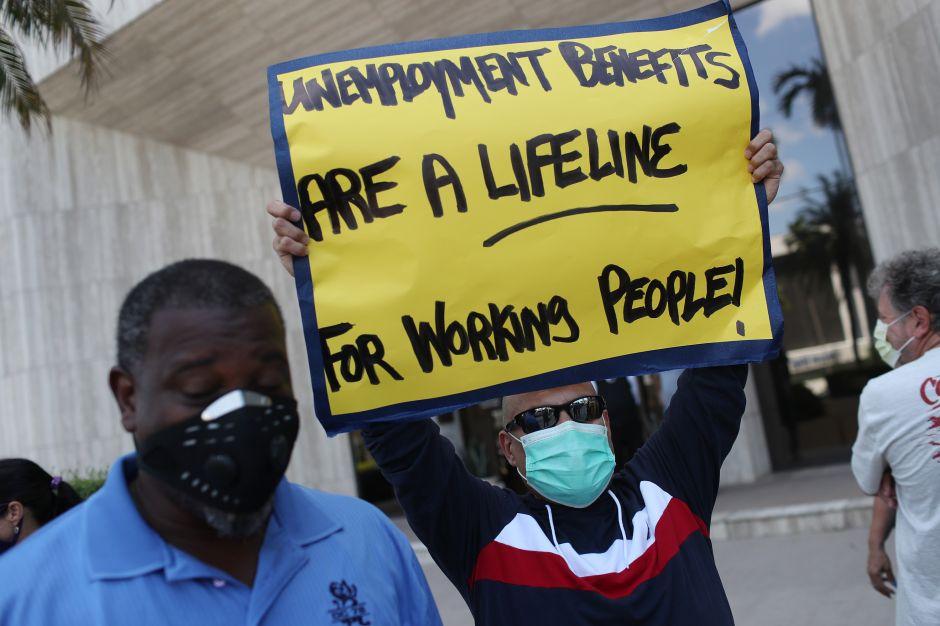 Ante la falta de acuerdo en el Senado, millones de estadounidenses quedan a la espera de ayuda económica