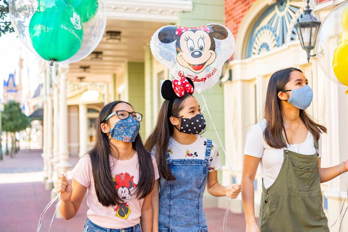 Disney reabre sus parques en Florida, que supera los 250,000 contagios