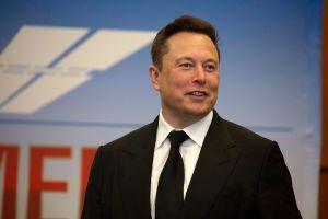 Tesla y los multimillonarios de Ethereum provocan un desplome de $300,000 millones de dólares en el precio de la criptomoneda
