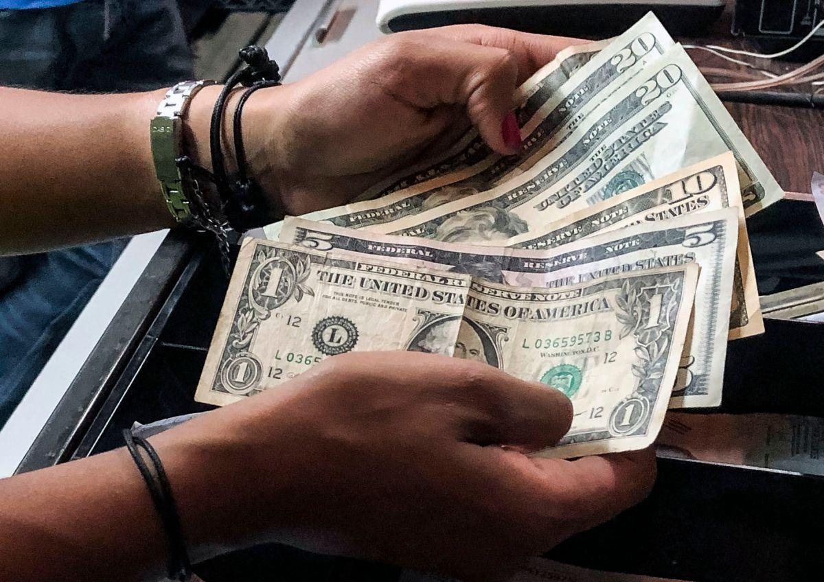 Logra ahorrar más de $200 por mes cambiando la forma en que gastas tu dinero