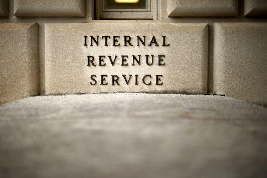 IRS alerta sobre las estafas tributarias más frecuentes durante la pandemia