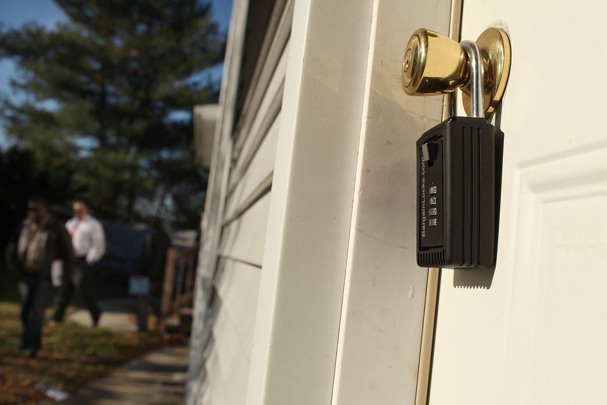 Bajan las tasas hipotecarias a mínimos históricos, pero hay menos compradores de casas