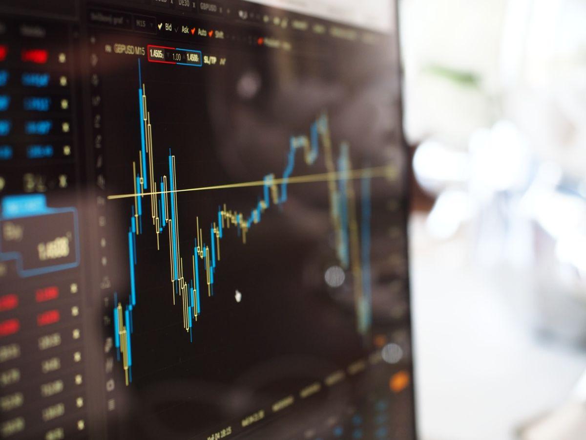 Los puntos básicos sobre cómo iniciar en el mundo de la inversión en acciones