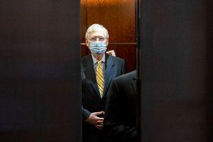 En el Senado, McConnell bloquea el proyecto de cheques de estímulo de $2,000 dólares aprobado por la Cámara de Representantes