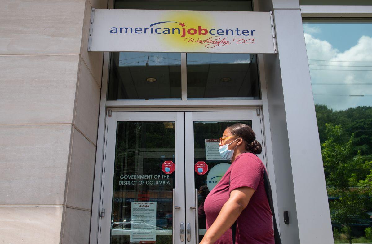 Repunta el desempleo: 1.4 millones de estadounidenses solicitaron ayuda por primera vez en la última semana