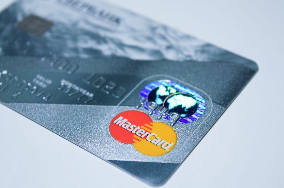 """Mastercard extiende su programa de """"criptomoneda"""": de qué se trata y cómo puedes beneficiarte de este nuevo tipo de moneda"""