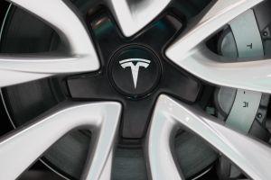 Tesla se convierte en la automotriz más valiosa del mundo