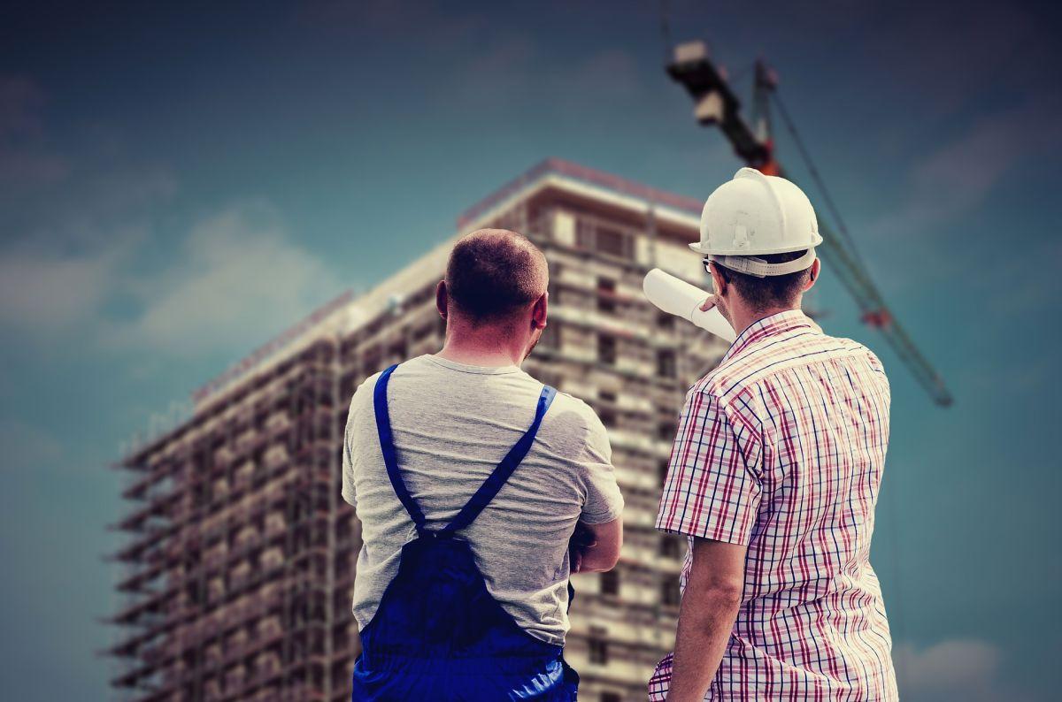 Cuánto gana un contratista con licencia en construcción en Estados Unidos y cómo convertirse en uno