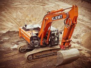 Por qué un aumento al salario mínimo podría afectar a la industria de la construcción