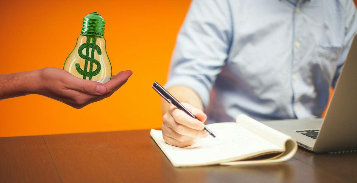 Las empresas a menudo recurren a trabajadores independientes como una solución más económica que el personal regular.