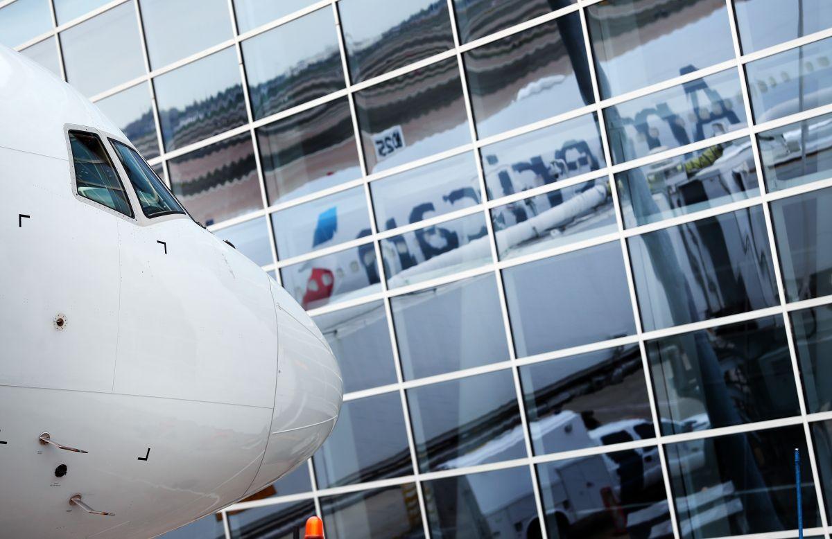 Si no reciben ayuda federal, las aerolíneas estadounidenses advierten que habrá masivos recortes de personal muy pronto