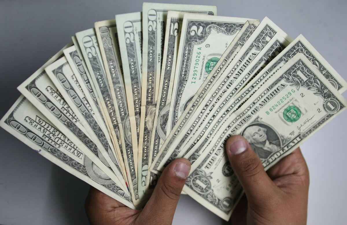 Los $300 dólares extra de beneficios por desempleo podrían retrasarse en algunos estados