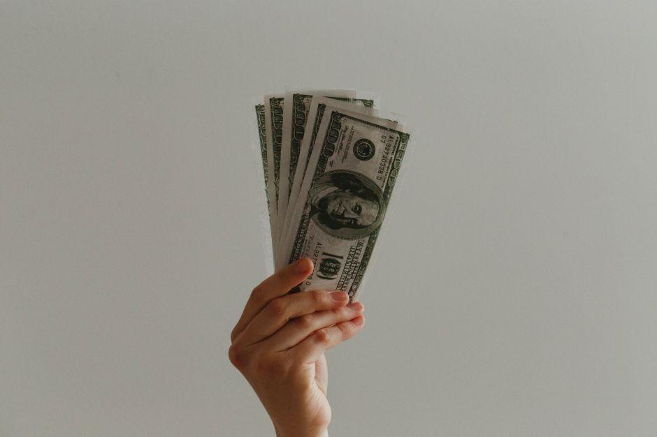 ¿Por qué se dice que hay que priorizar el dinero en efectivo durante la crisis?