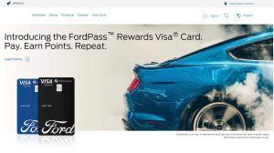 ¿Conviene tener una tarjeta de crédito de la marca de tu auto?