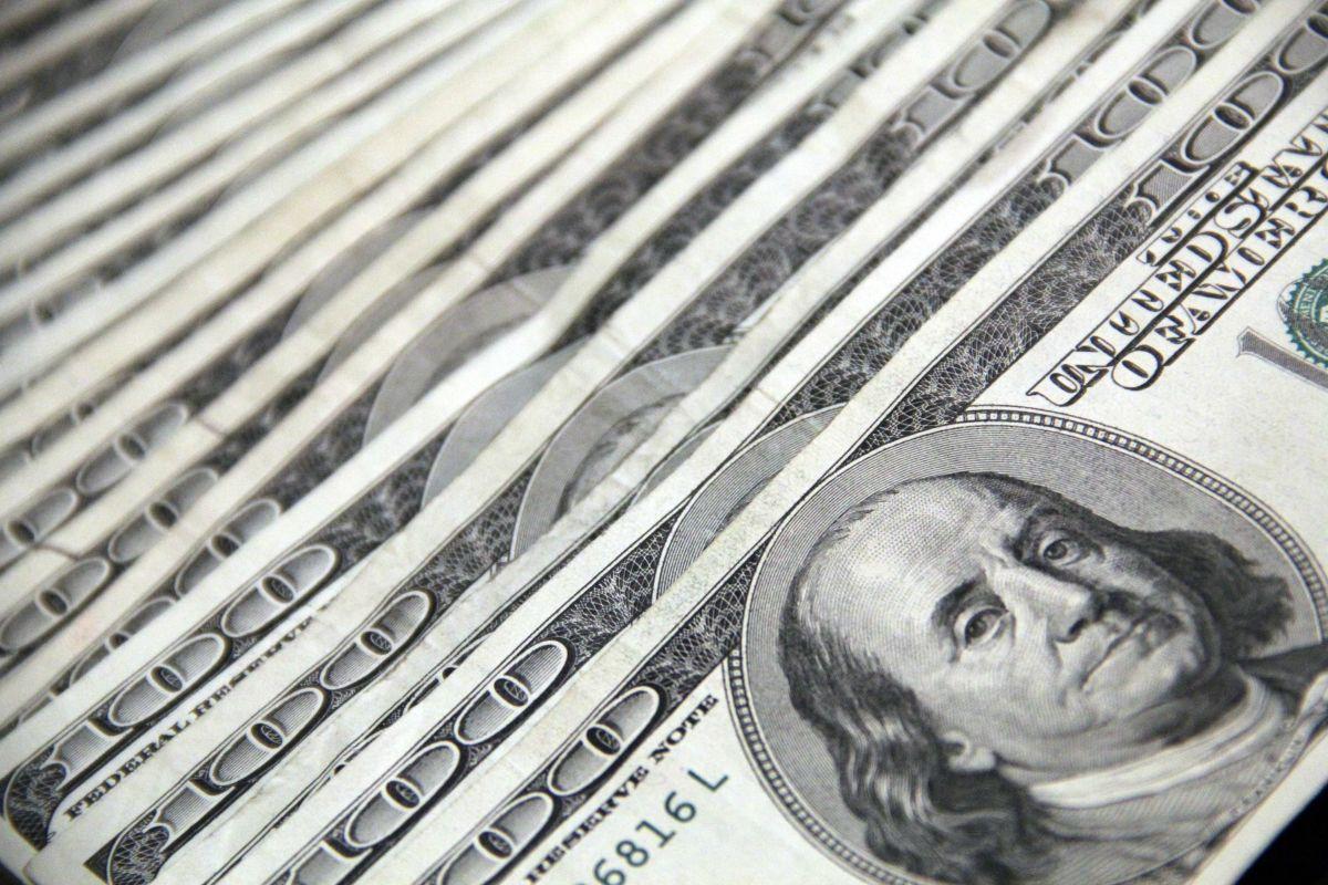 Las grandes transferencias de dinero deben ser reportadas.