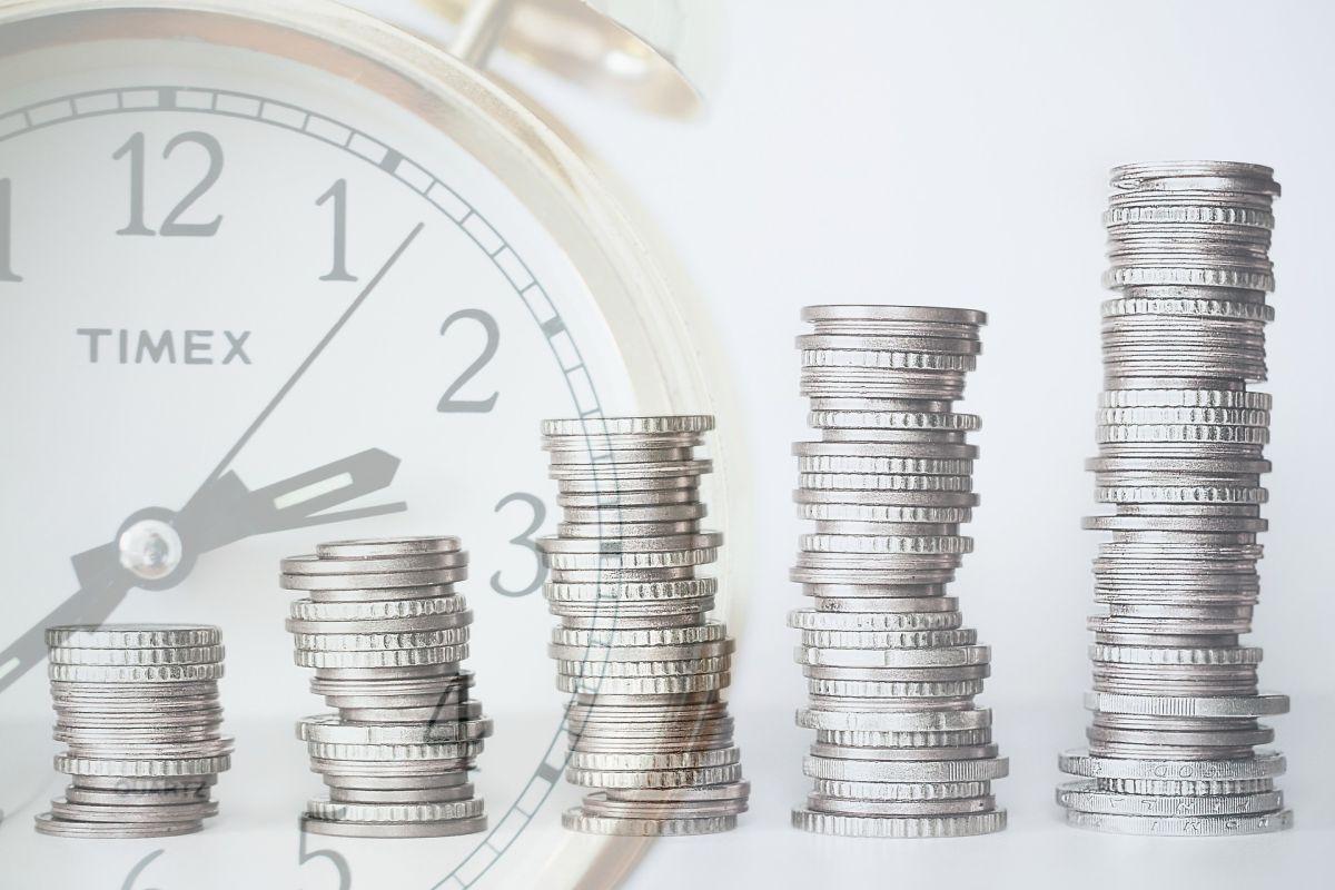 Aunque cada vez que pasa el tiempo dejas pasar oportunidad para tu jubilación, nunca es tarde para ahorrar para el retiro.