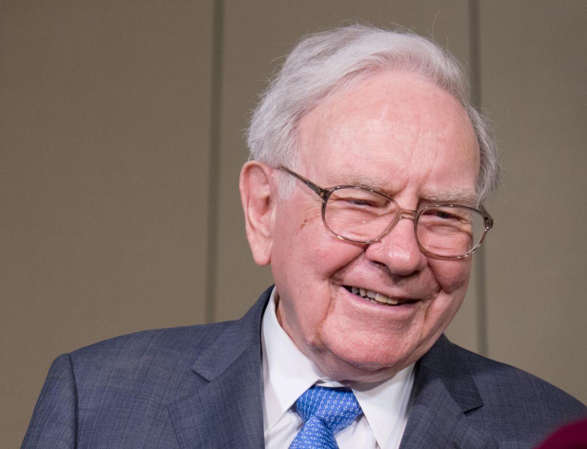 Aunque seas inmigrante puedes ser el próximo Warren Buffett con estas 5 lecciones financieras