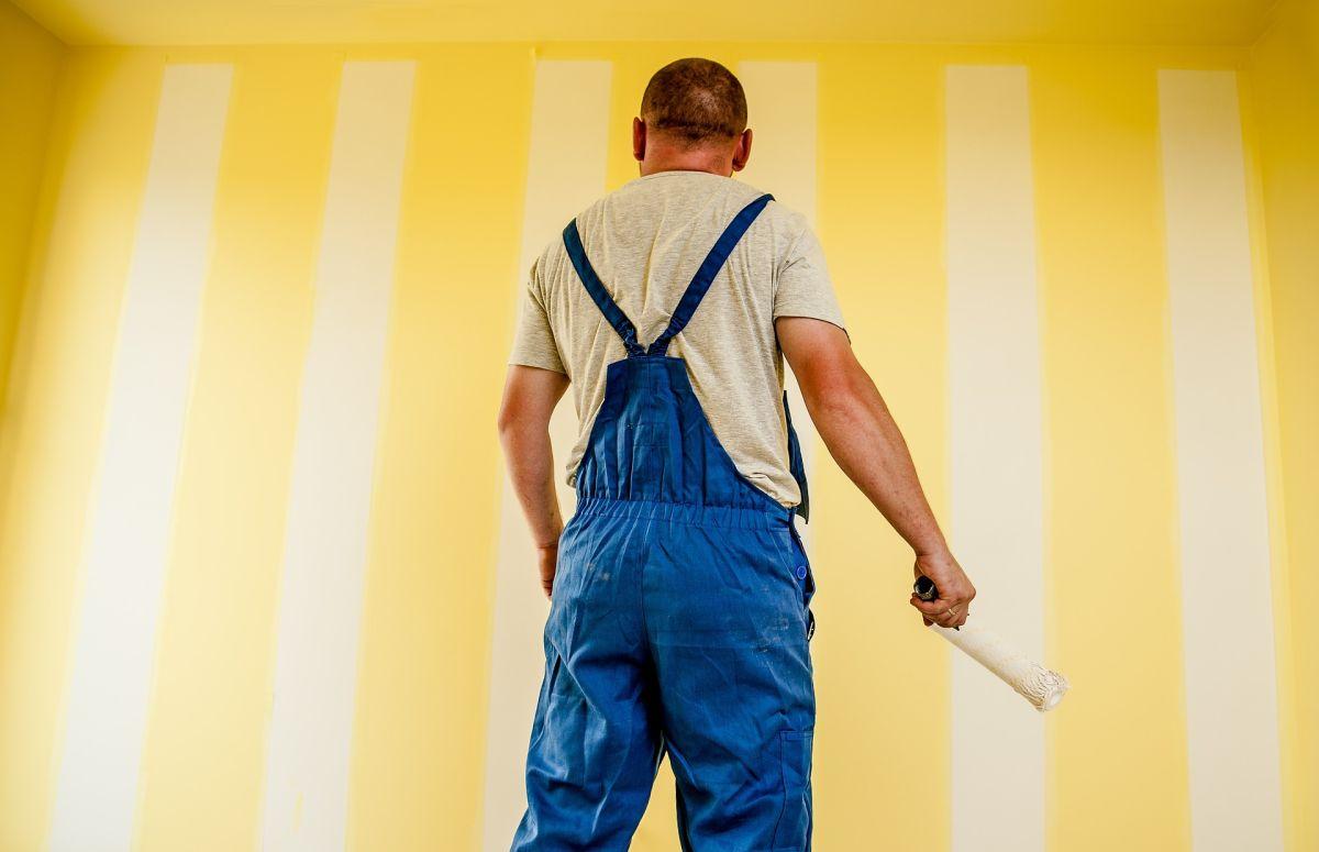 Cuánto gana un pintor de casas en Estados Unidos y dónde se cobra mejor
