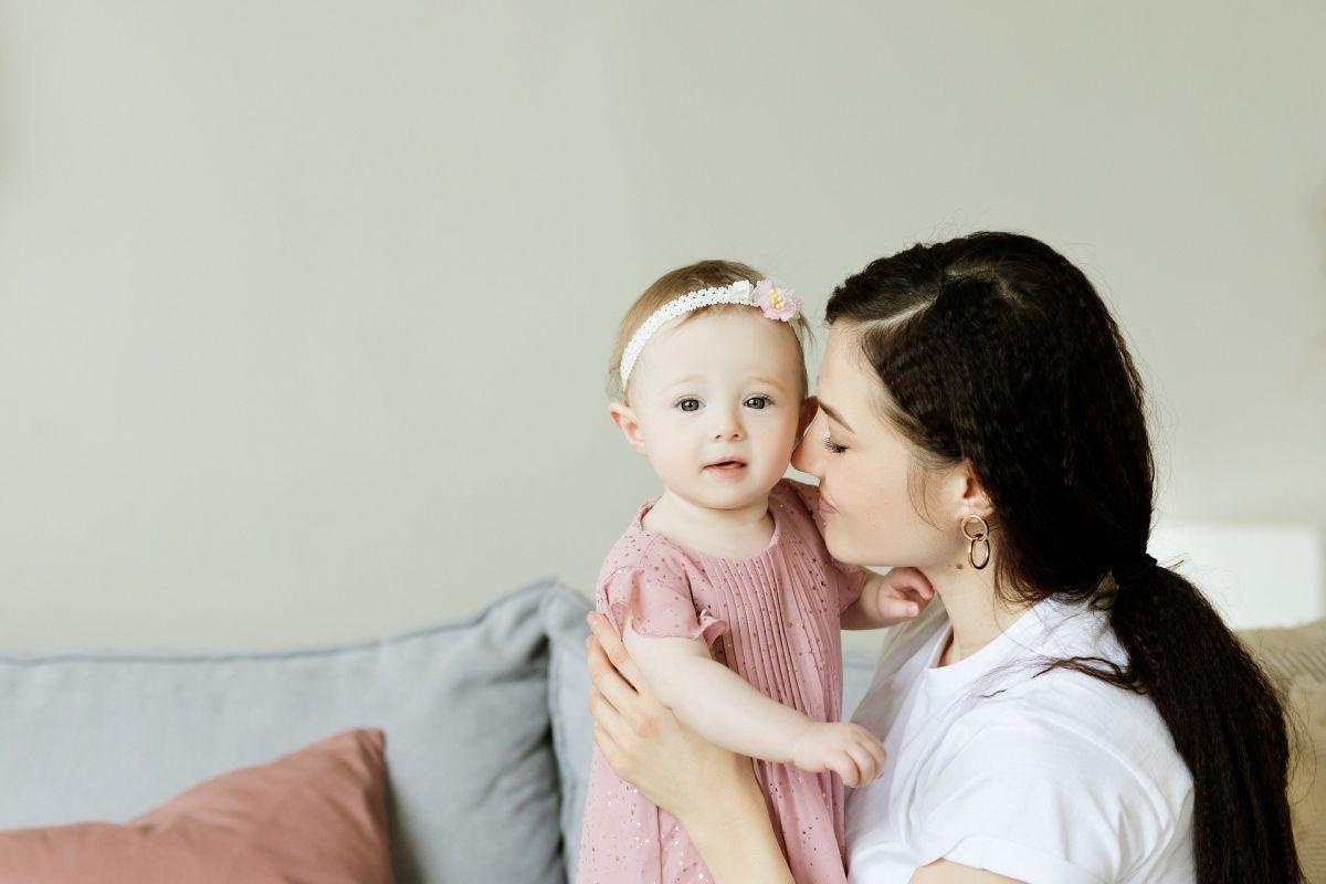 Cómo solicitar un empleo en el portal Care para cuidar niños