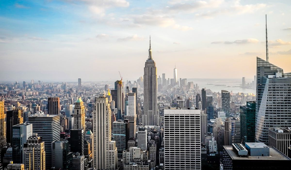 Cómo puede ser la recuperación económica de Nueva York después de la aplicación masiva de la vacuna contra el Covid-19