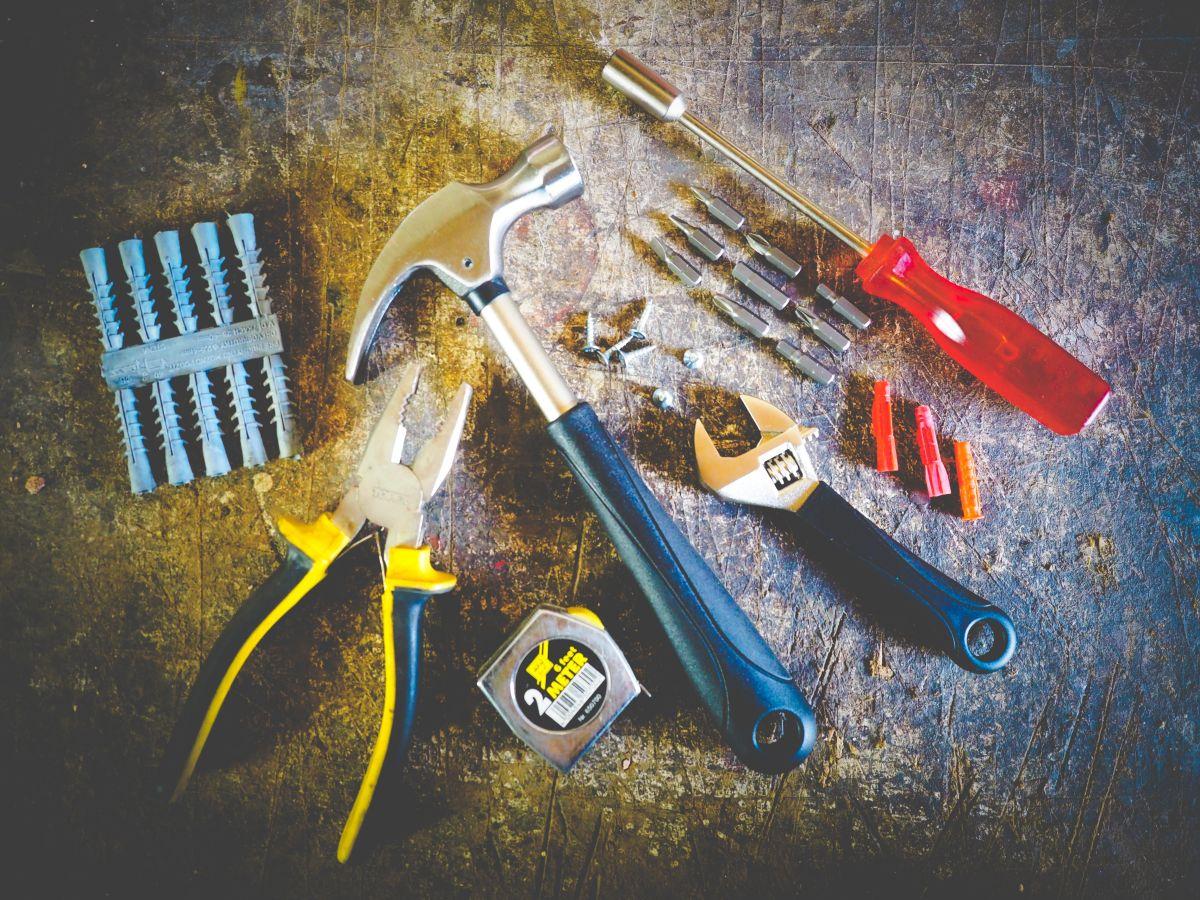 Contar con un juego de herramientas propio puede ahorrarte dinero.