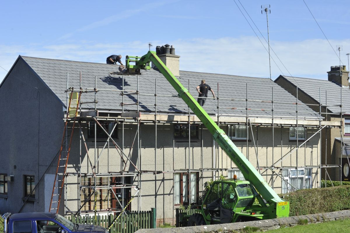 Cómo convertirte en instalador de techos y cuáles son los Estados dónde se paga mejor