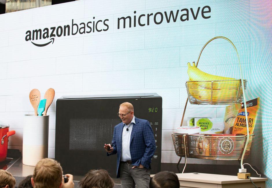 Senadores demócratas piden a Amazon que deje de vender productos reportados como peligrosos